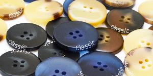 Большая коллекция пластиковых пуговиц на прокол